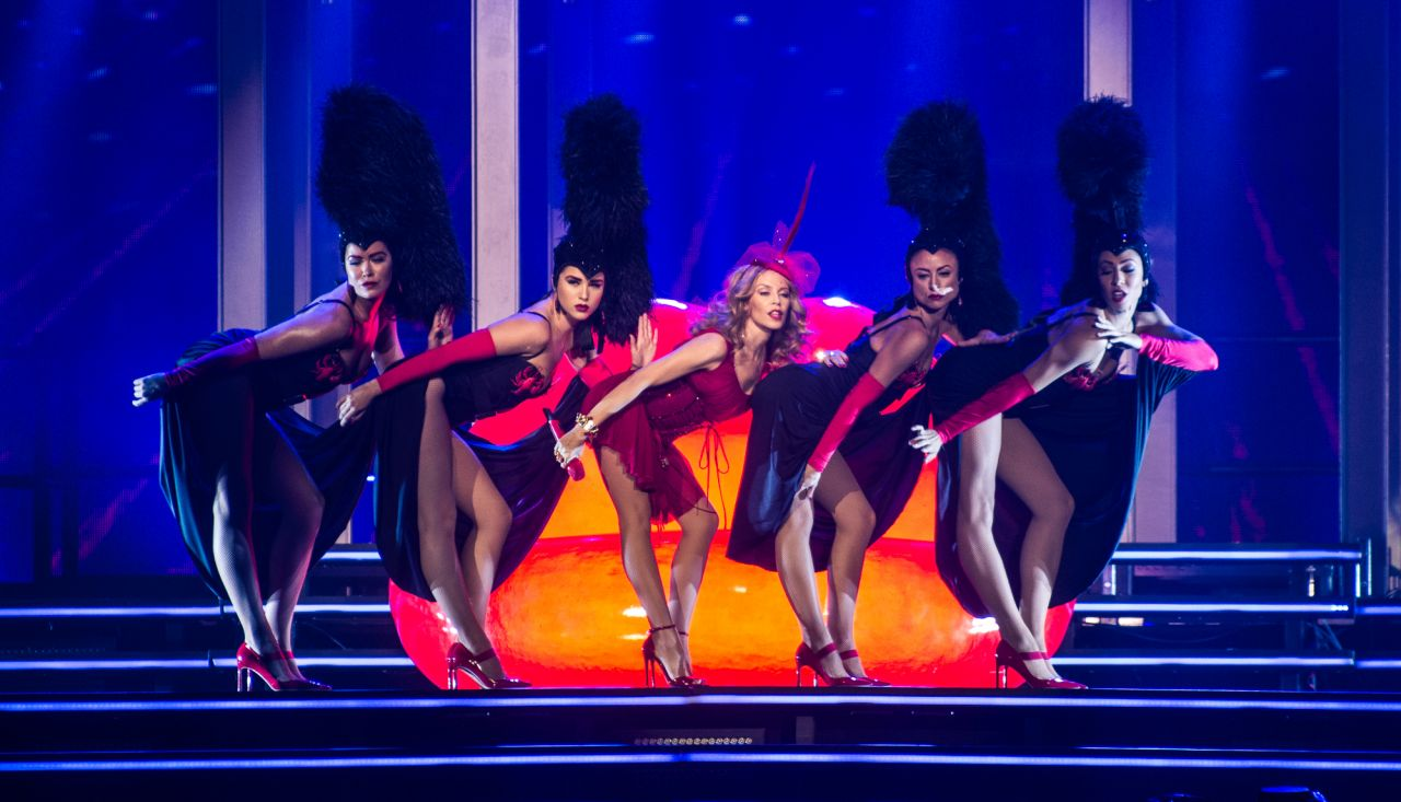 kylie-minogue-performs-at-kiss-me-once-t