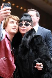 Lady Gaga Leaving Her Hotel in Sydney (Australia) - September 2014
