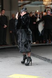 Lady Gaga Leaving Her Hotel in Sydney (Australia) - September 2014
