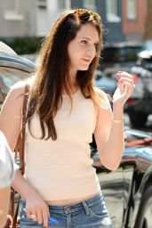 Lana Del Rey in Ripped Jeans Out in Manhattan - September 2014