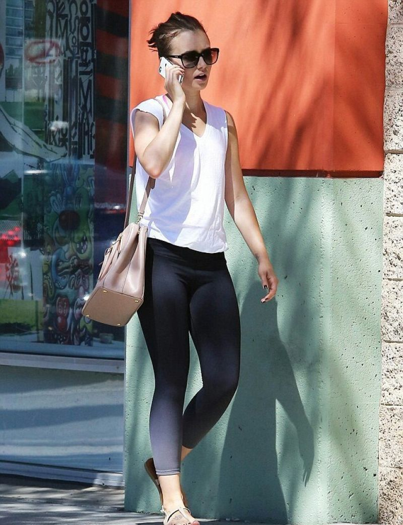 Lily Collins in Leggings Going to a Gym in Los Angeles - Sept. 2014