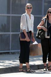 Maria Sharapova - Shopping in Venice in Los Angeles - September 2014