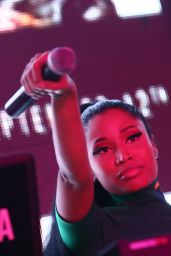 Nicki Minaj Performs During a Party at Club 79 in Paris - Sept. 2014