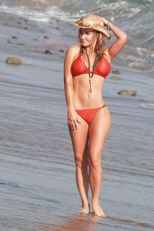 Nikki Lund Bikini Candids - Beach in Malibu, September 2014