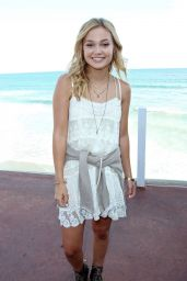 Olivia Holt - Austin North