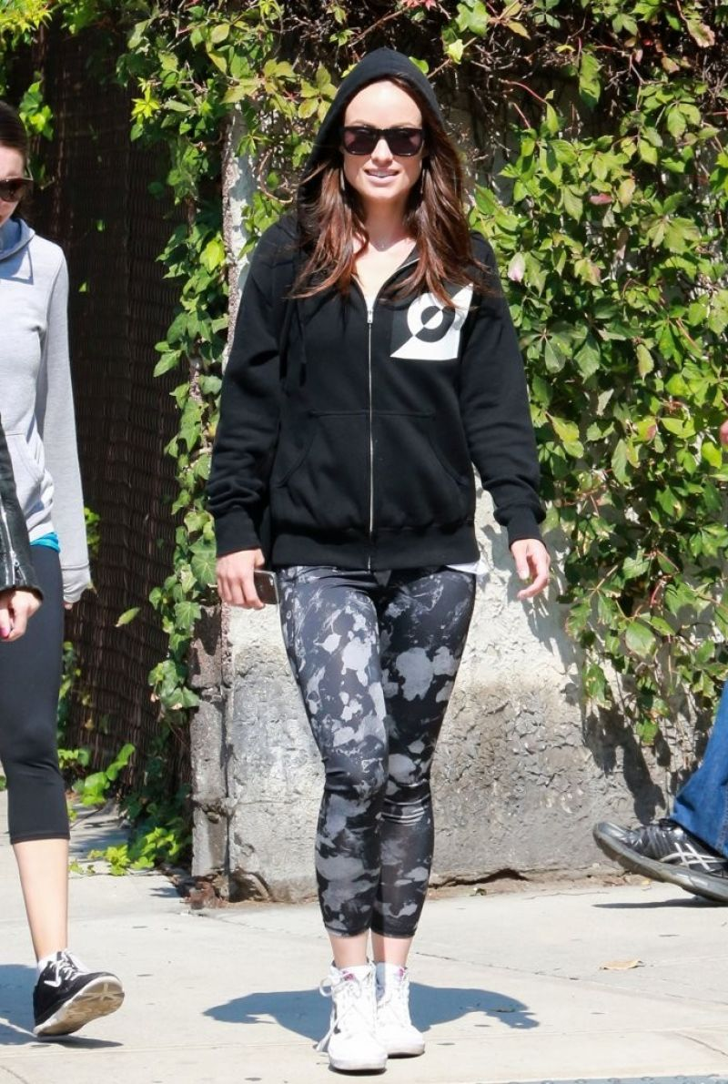 Olivia Wilde With Friends - Head to the Gym For a Workout in New York City - September 2014