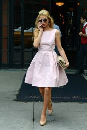 Paris Hilton Style - Leaves Her Hotel in New York City - September 2014