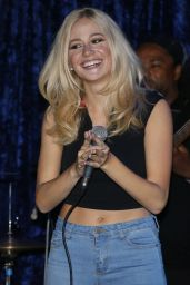 Pixie Lott Performs at the Jazz Cafe in Camden in London - September 2014