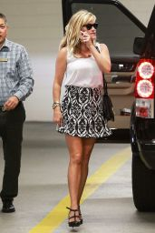Reese Witherspoon Chats on Her Cell Phone - Heading to a Medical Building