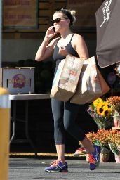 Reese Witherspoon - Shopping at Whole Foods in Brentwood - September 2014