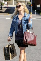 Reese Witherspoon Shopping in Los Angeles - September 2014