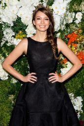 Ricki Lee Coulter - 2014 Sydney Spring Carnival at Royal Randwick Racecourse