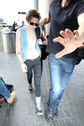 risten stewart - at lax airport 9/3/14 - mq - celebrity discussion forums