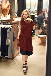 Sammi Hanratty - Shopping at Aritzia Fifth Avenue in New York City