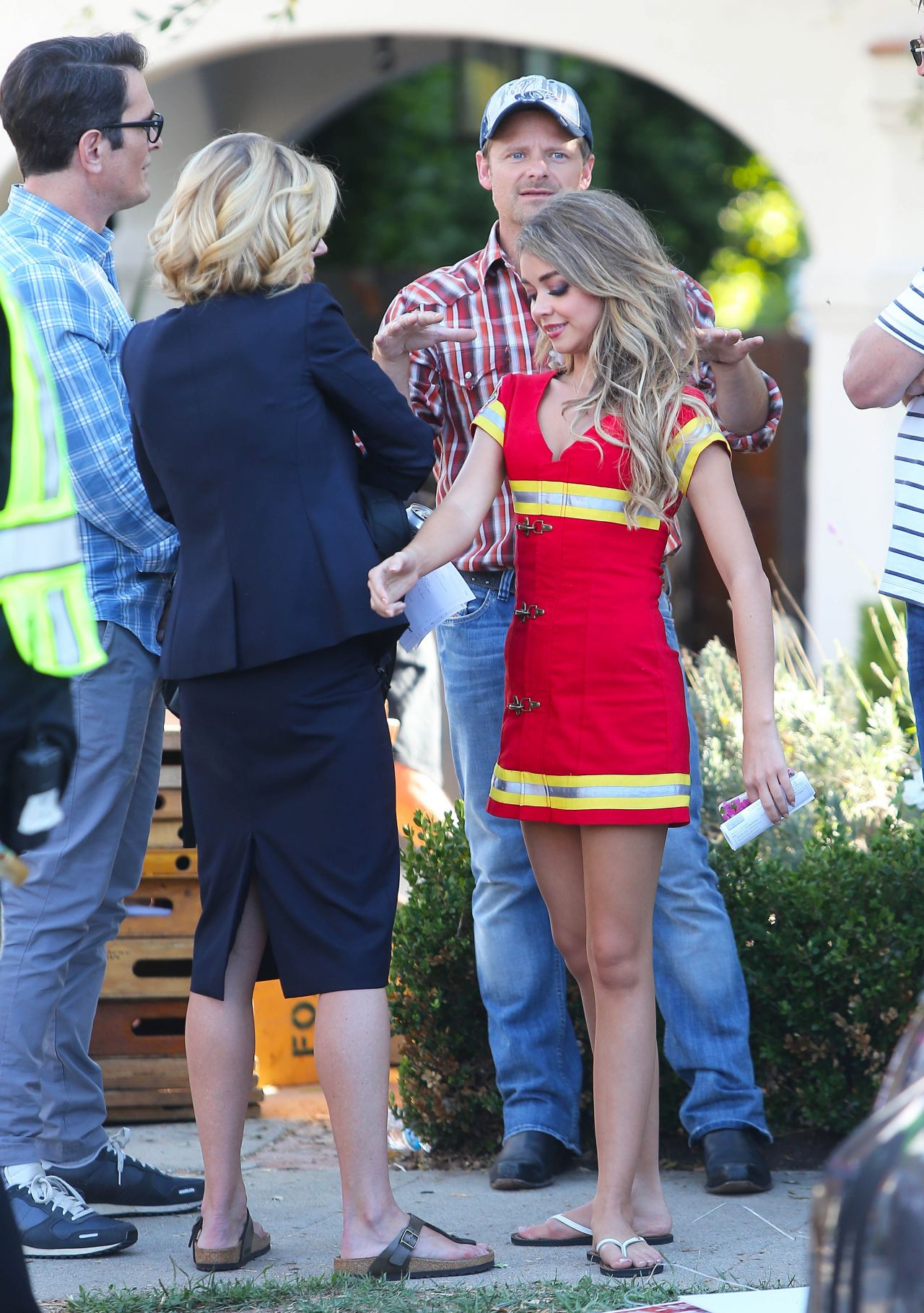Sarah Hyland - Modern Family Set Photos in LA - September 2014