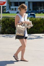 Sarah Michelle Gellar - Out in Brentwood - September 2014