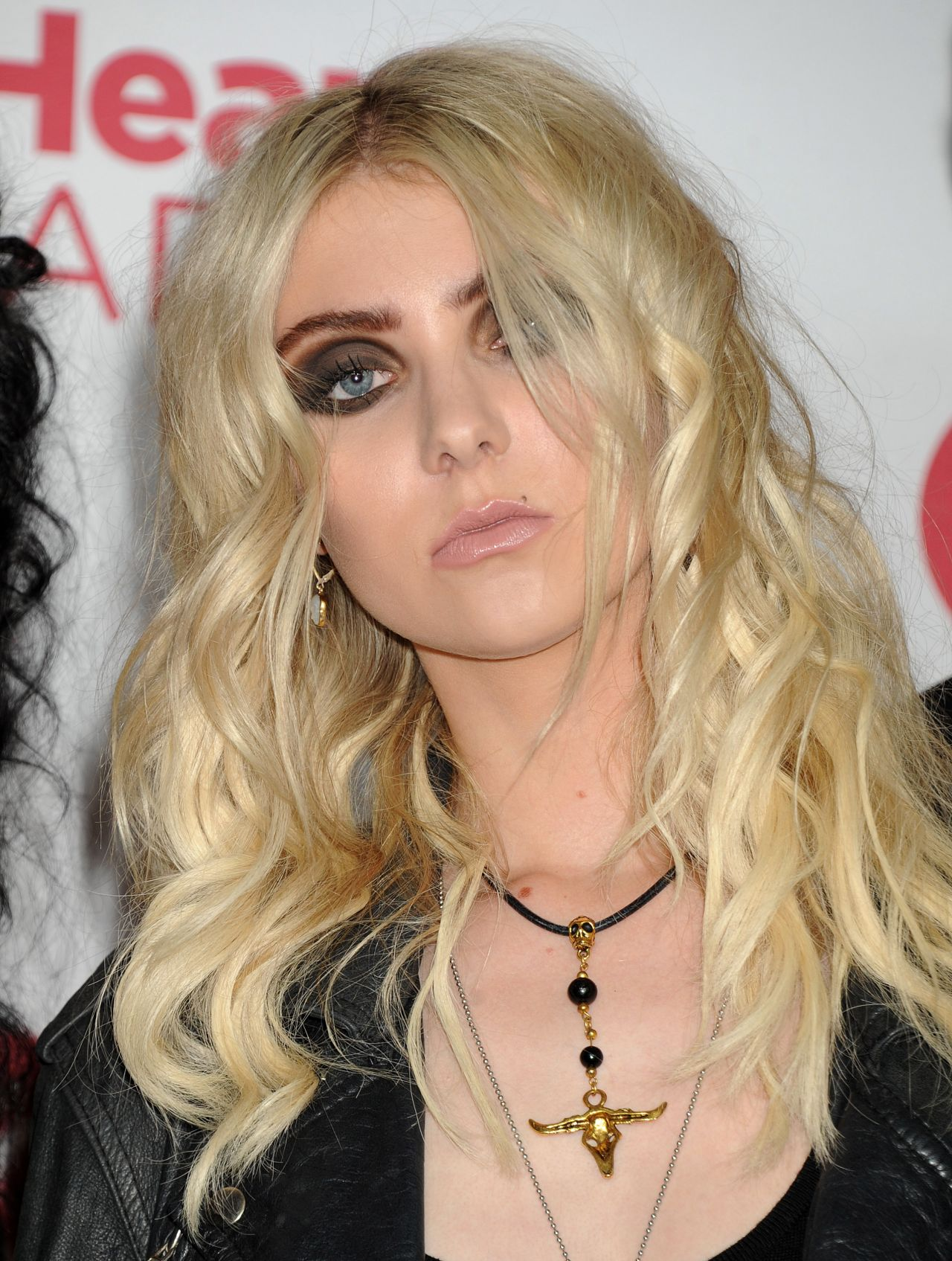 Taylor Momsen in Paris - Le Grand Journal Show - March 2014 |Taylor Momsen 2014