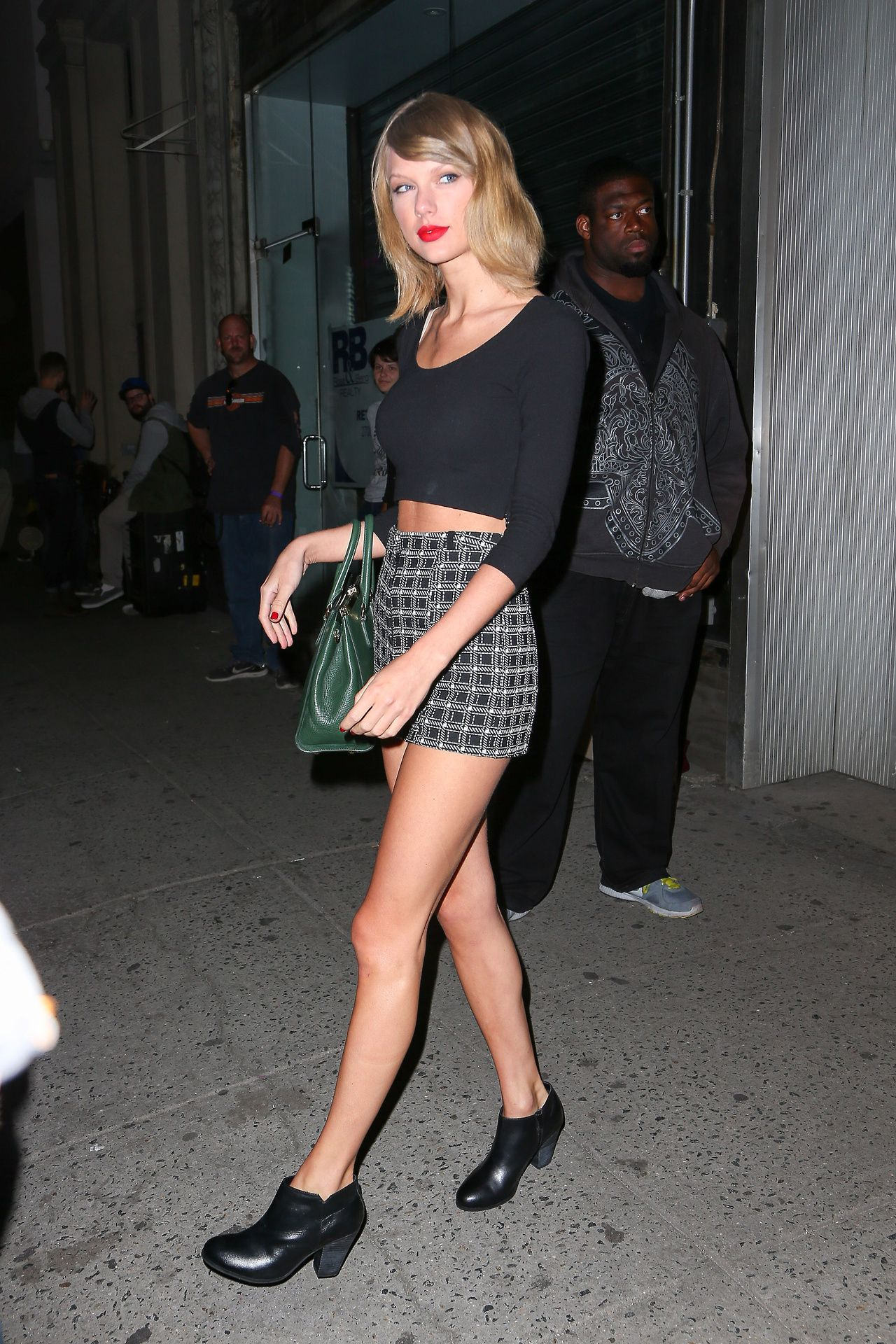 Taylor Swift Night Out Style – Out in NYC – September 2014