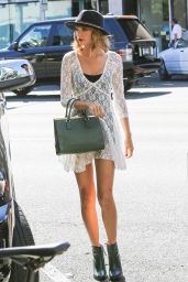 Taylor Swift Street Style - at the Honor Bar in Beverly Hills - September 2014