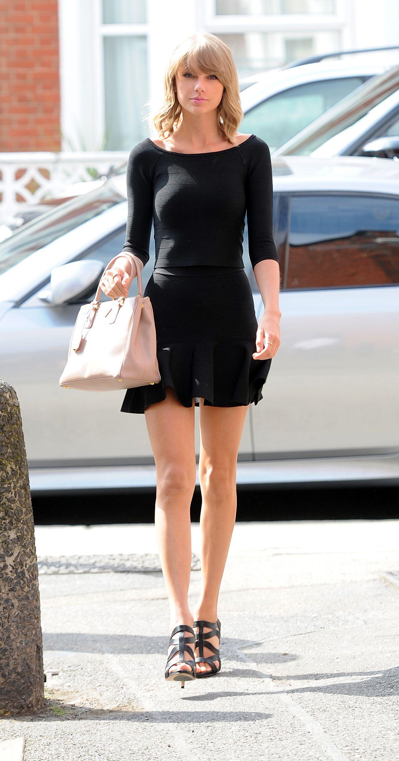 Taylor Swift Style - Heading to Shepherds Bush Empire in London