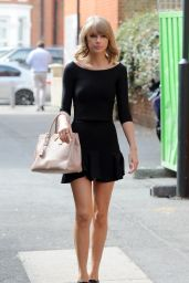 Taylor Swift Style - Heading to Shepherds Bush Empire in London