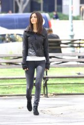 Victoria Justice on Set of