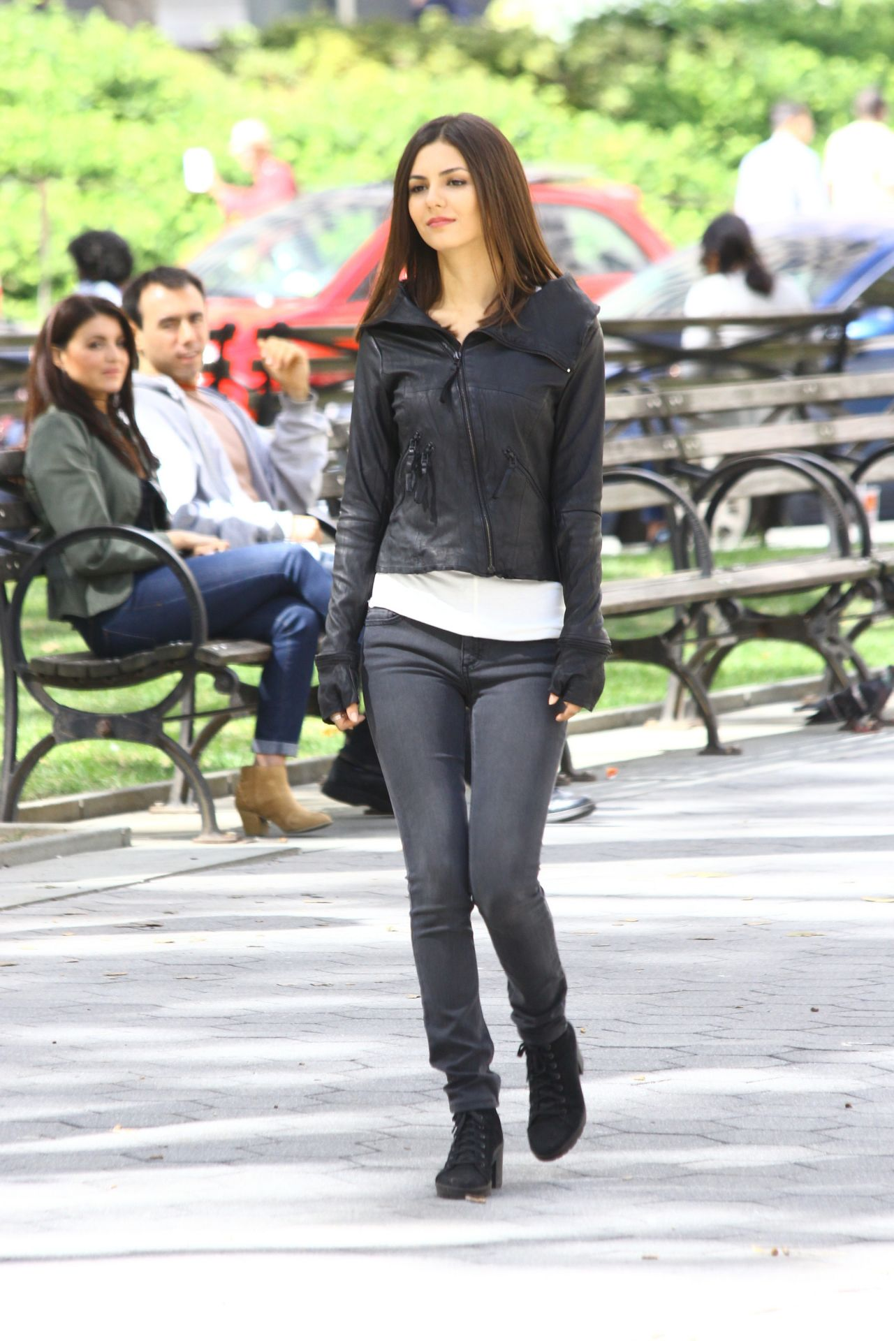 Justice on set of eye candy in new york city september 2014