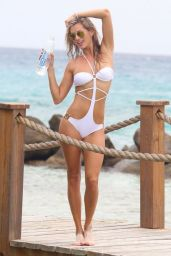 Yasmine Colt - Photoshoot for 138 Water in Oranjestad (Aruba) - September 2014
