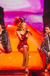 Kylie-Minogue-o2014-01