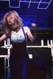Kylie-Minogue-o2014-04