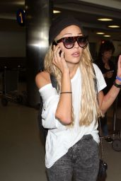 Amanda Bynes at LAX Airport - October 2014