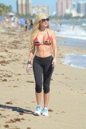 Ana Braga - Workout at the Beach in Miami - October 2014