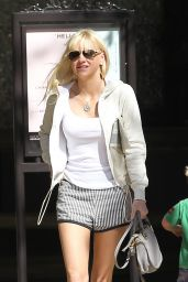 Anna Faris Leggy - Shopping at The Grove in Los Angeles, Oct. 2014