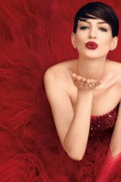 Anne Hathaway - Harper