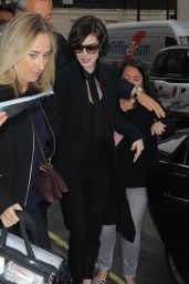 Anne Hathaway Style - Arriving at Her Hotel in London - October 2014