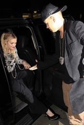 Ashlee Simpson Night Out Style - Arriving at Mr Chow