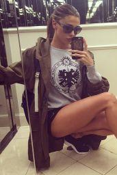 Belen Rodriguez Leggy - Selfie, October 2014