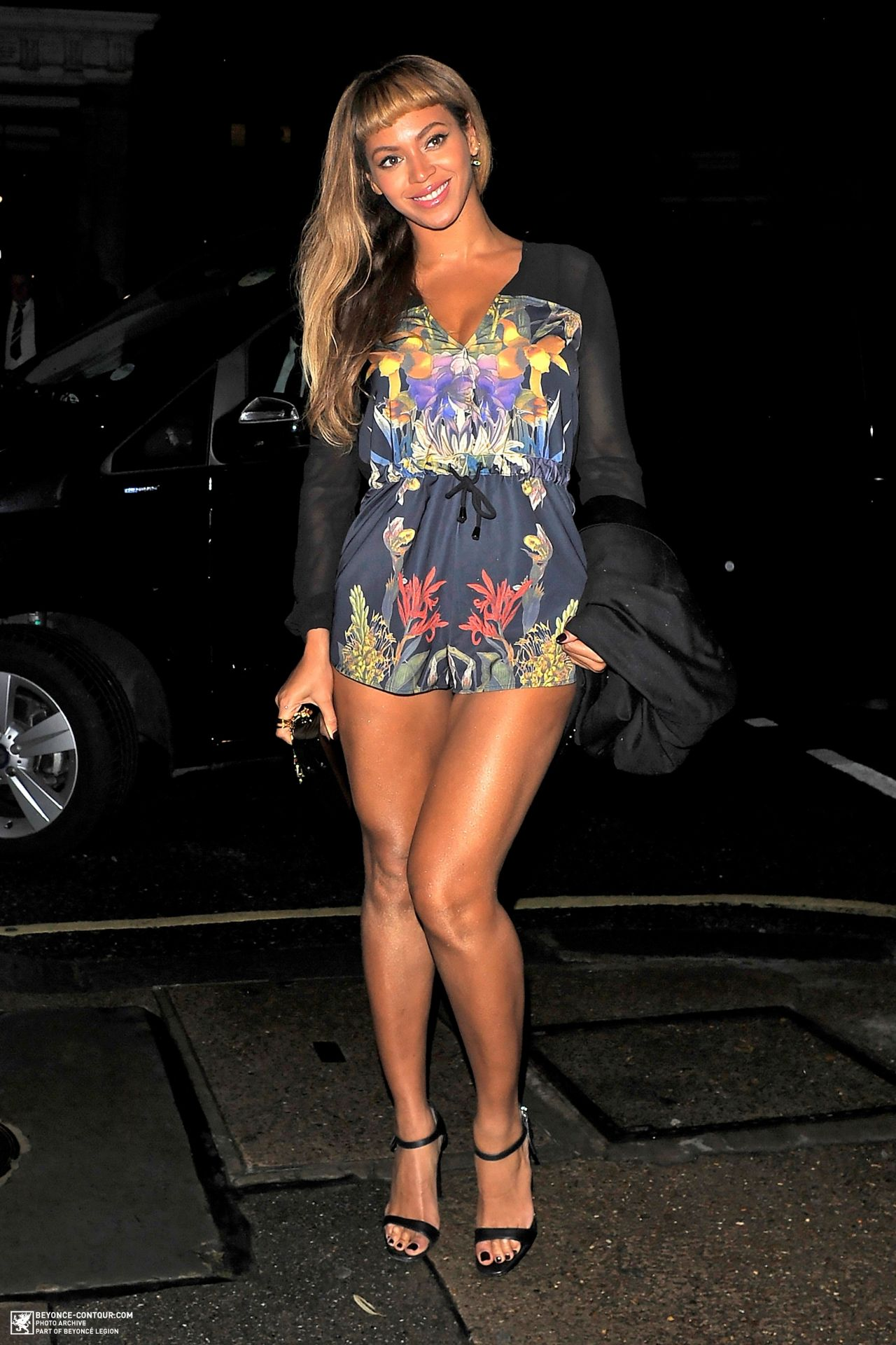 Beyonce Leggy - Arriving at Harry