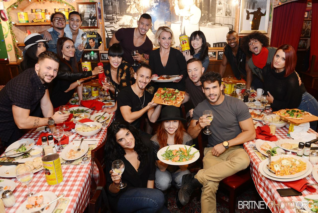 Britney Spears And Her Dancers Have Dinner At Buca Di