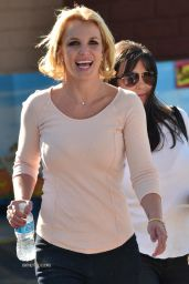 Britney Spears Street Style - at a CVS in Thousand Oaks - Oct. 2014