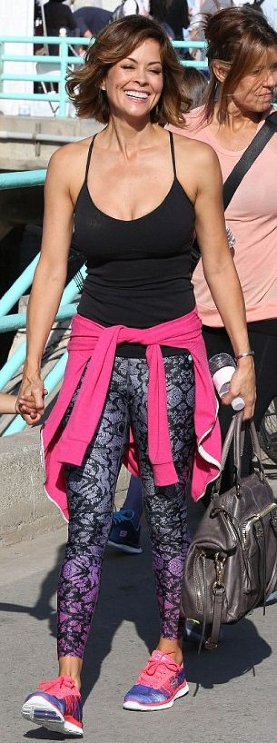Brooke Burke - 3k Pier To Pier Friendship Walk in Manhattan Beach - October 2014