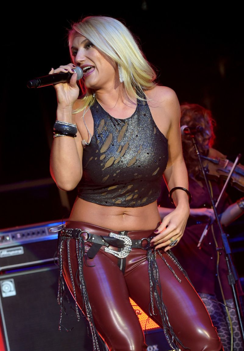 Brooke Hogan Performs at IEBA 2014 Conference in Nashville