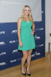 Caroline Wozniacki - New York Road Runner