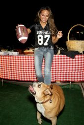Chrissy Teigen - Tailgate Party for the Jets - Patriots Game in Paramus, New York