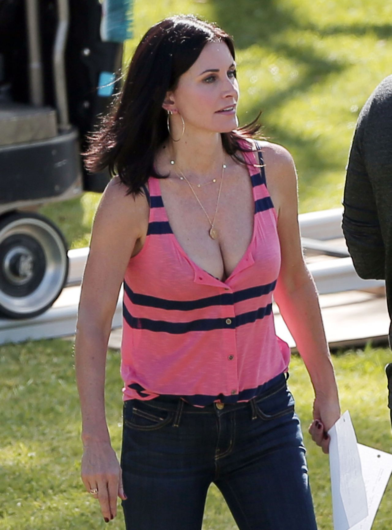Billeder af Courteney Cox - Cougar Town Set - Los Angeles-5714