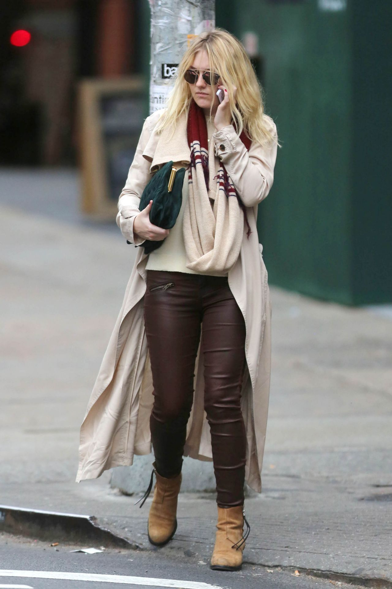 Dakota Fanning Style - Out in New York City, October 2014