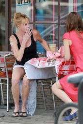 Dakota Johnson and Melanie Griffith - Grabbing lunch Together in Los Angeles