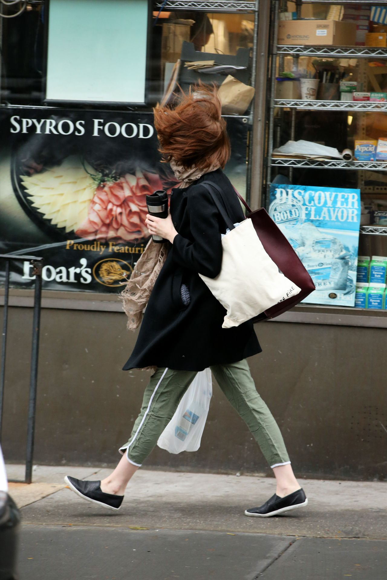 Boca Raton Shopping >> Emma Stone - Shopping on a Windy Day in New York City