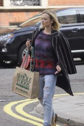 Fearne Cotton in Ripped Jeans Out in London - October 2014