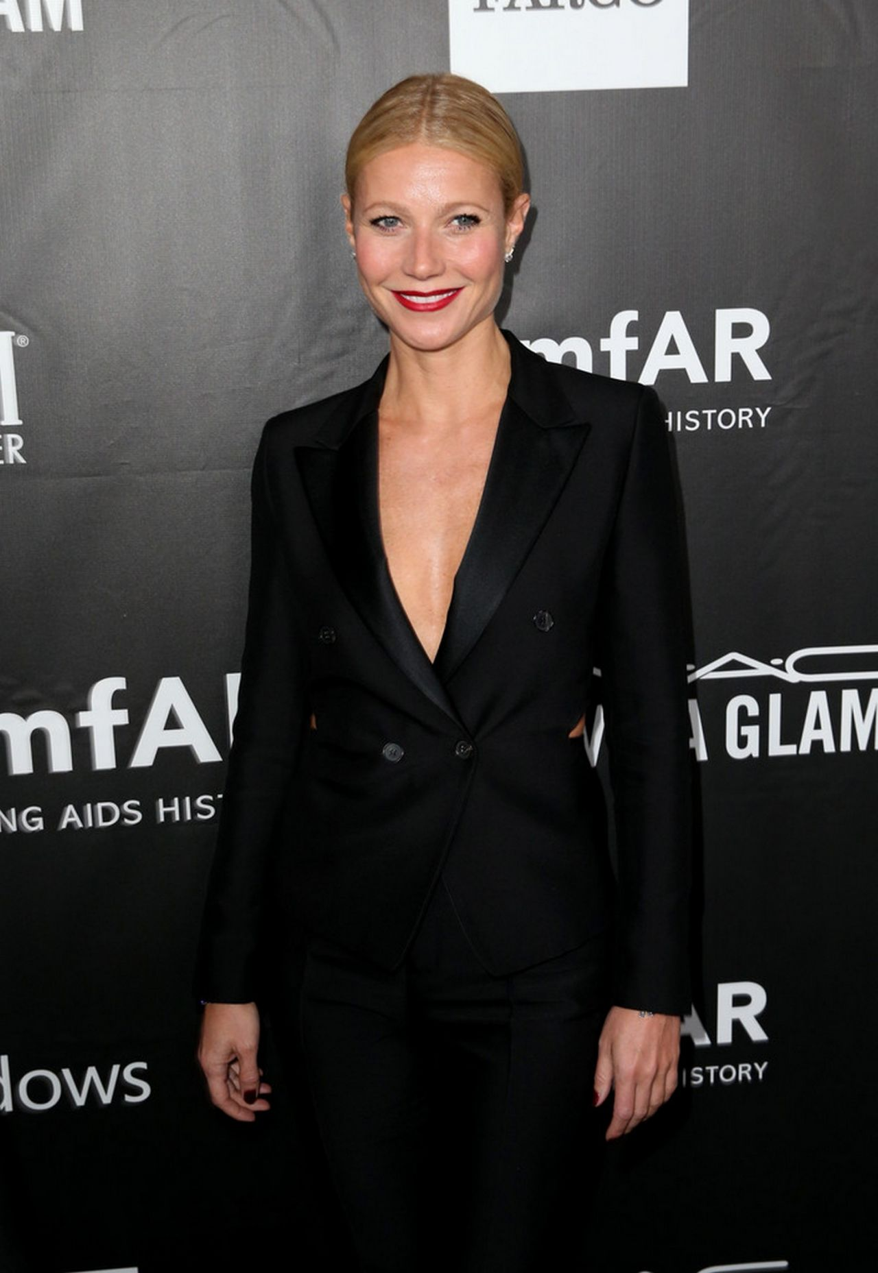 Gwyneth Paltrow - amfAR LA Inspiration Gala in Hollywood